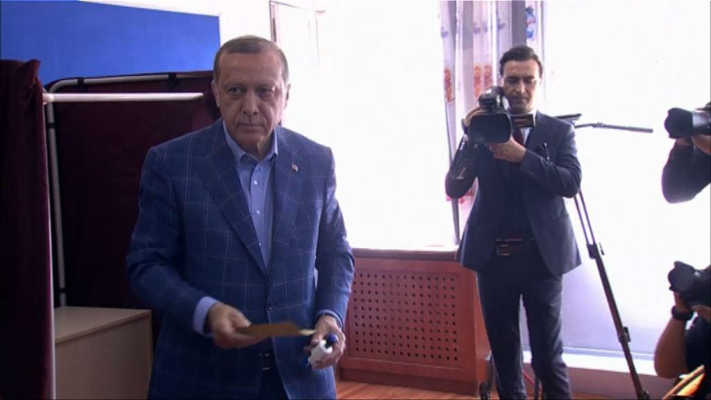 土耳其修憲成定局 總統將獨攬大權