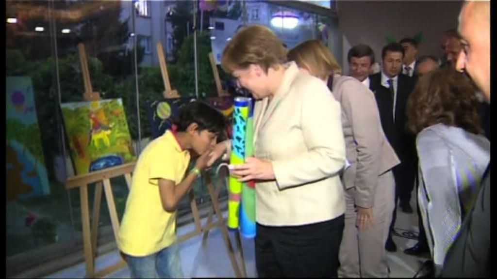 歐盟領袖首訪土耳其難民中心