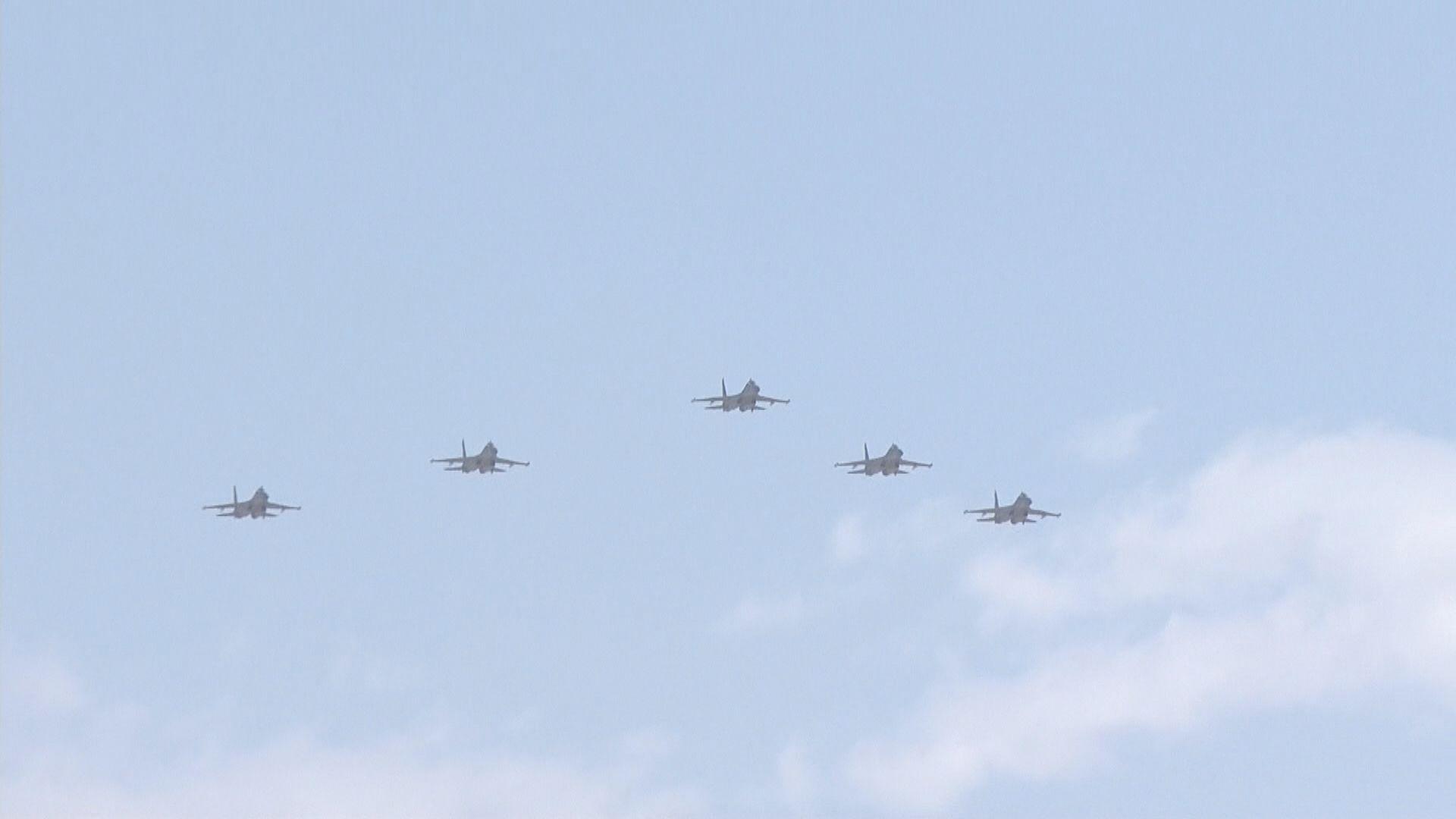 據報中美軍機同時現身台灣西南空域