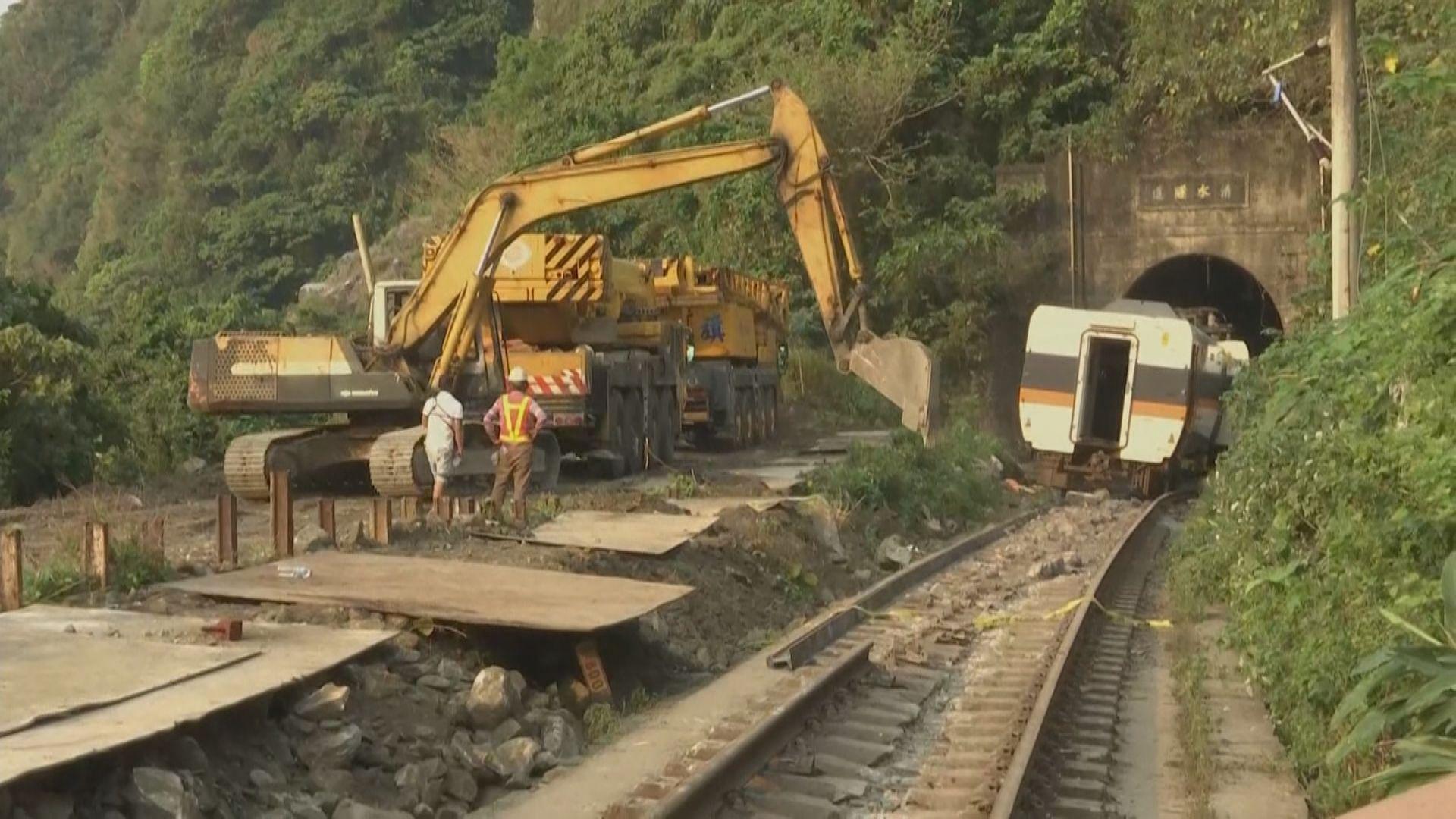台鐵事故至少50死 習近平向遇難同胞表示深切哀悼