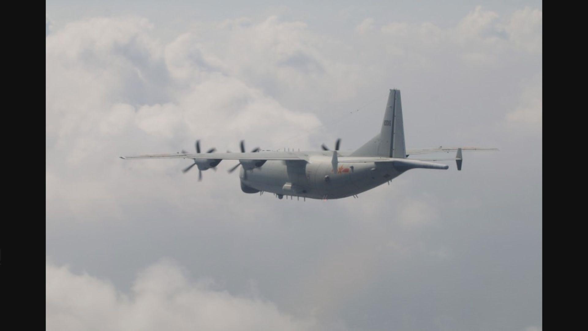 中、美軍機分別飛越台灣西南空域