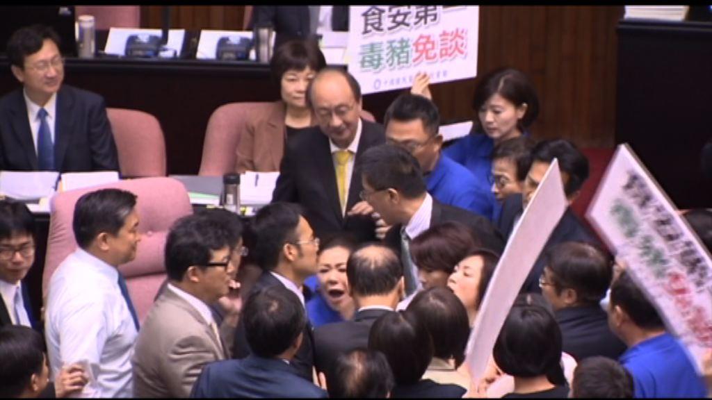 台灣豬農欲佔立法院抗議開放進口美豬肉