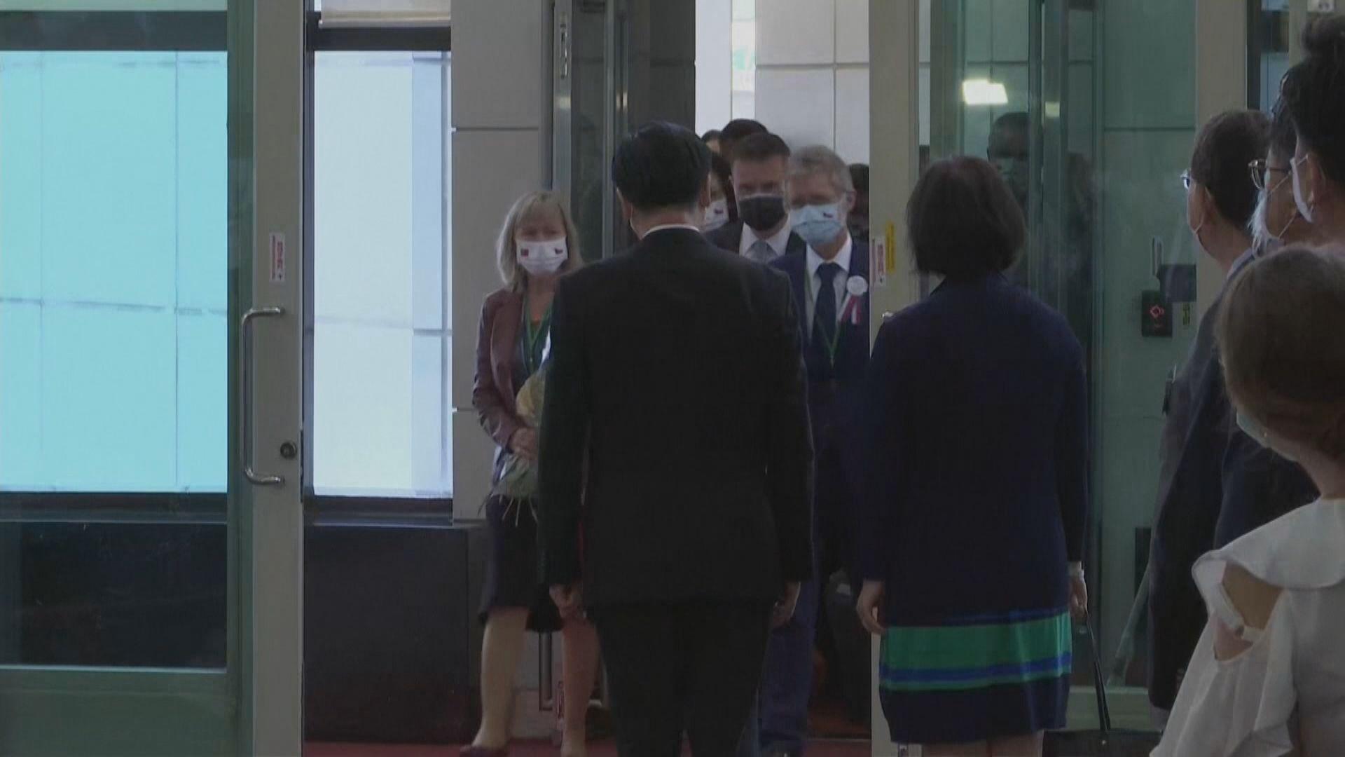 捷克參議院議長訪台 中方:出於個人政治算計