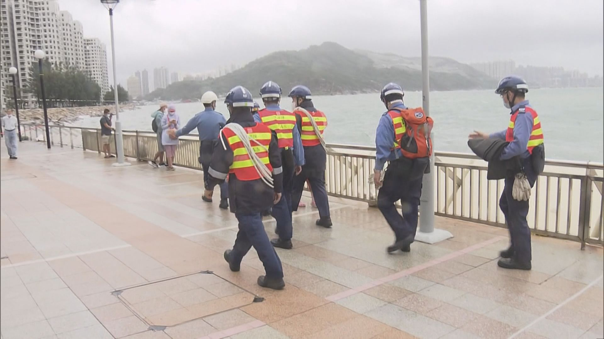 【圓規襲港】風暴期間一男子死亡20人傷 政府收到72宗塌樹報告