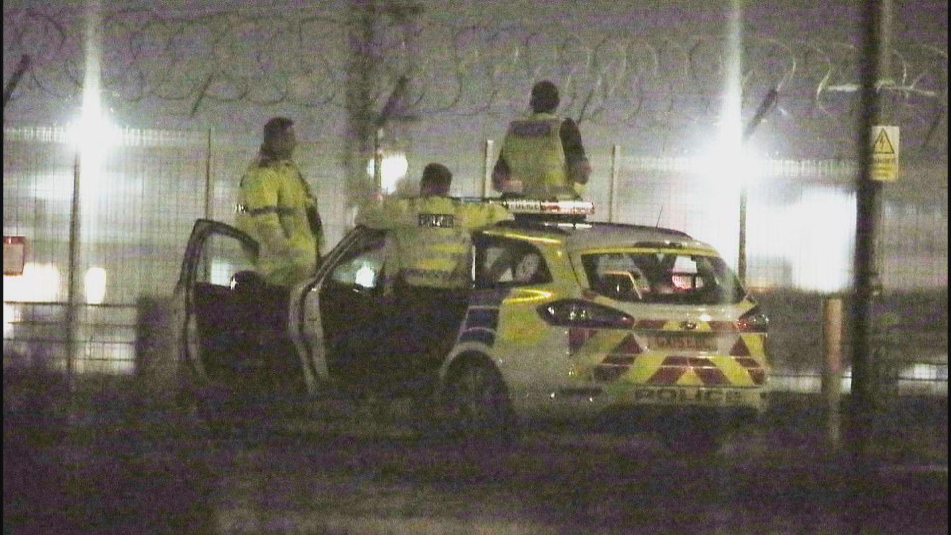 英國機場受無人機干擾兩人被捕