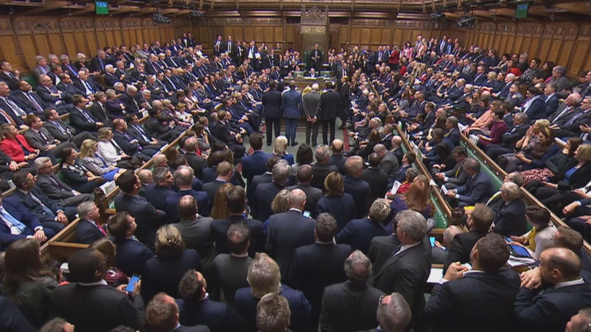 英國政府暫停脫歐立法工作