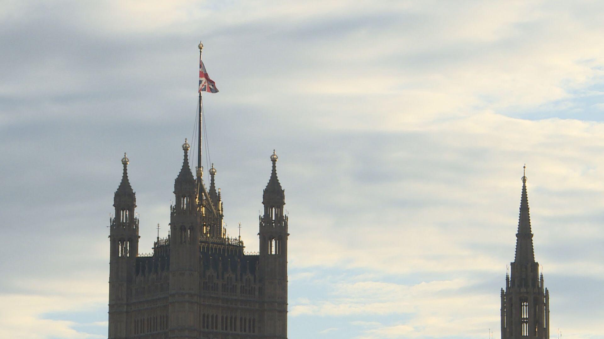 英國周四大選 大量選民未決定意向結果難料