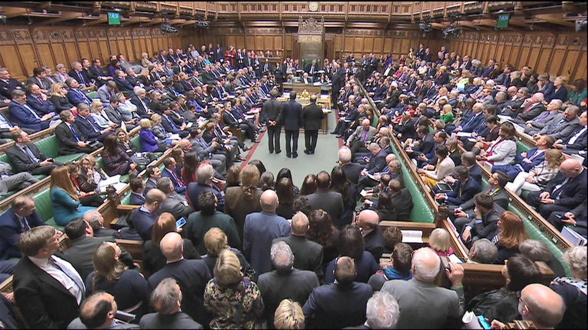 脫歐投票引發保守黨分裂 多名大臣投棄權票