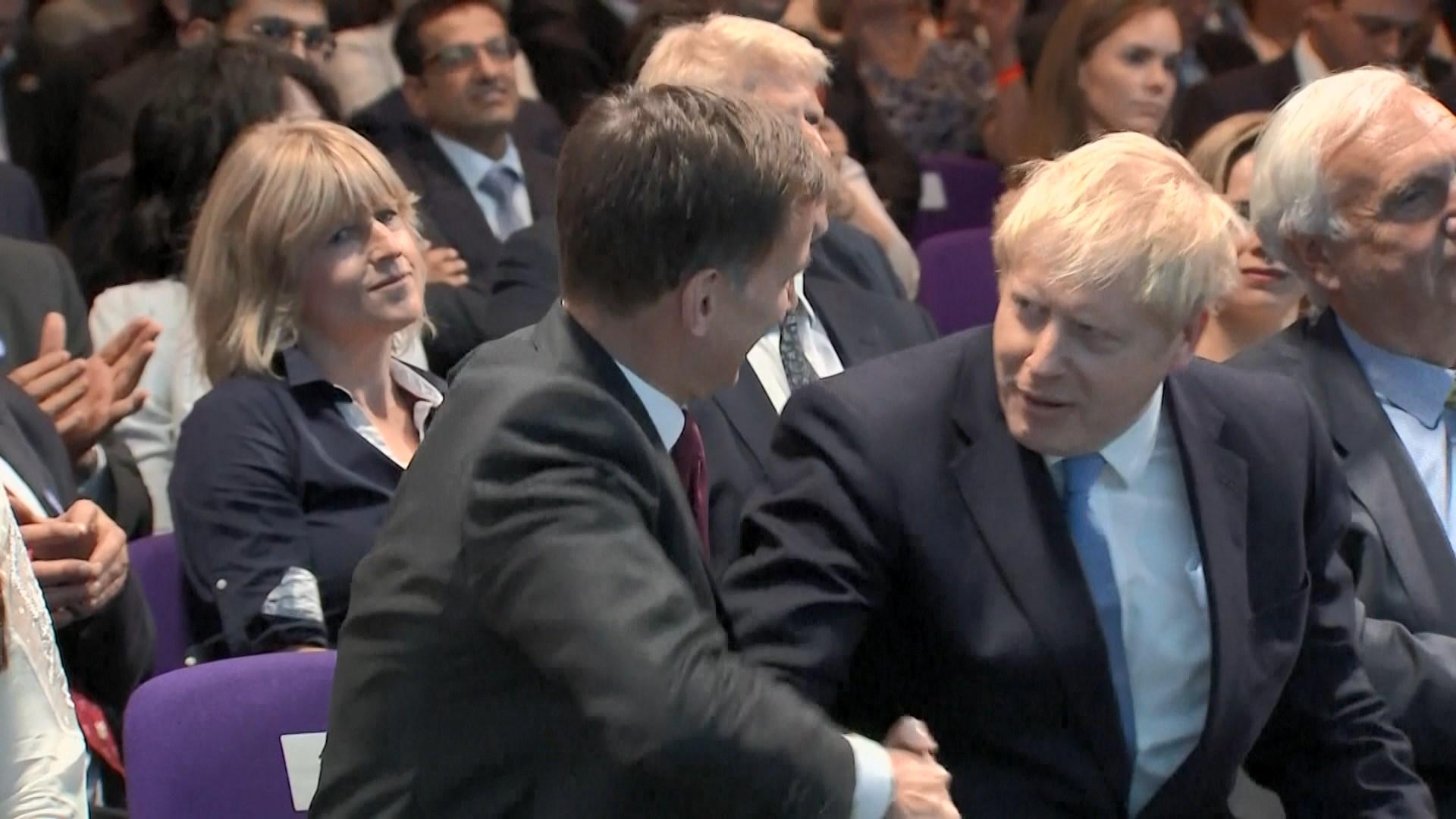 約翰遜擊敗侯俊偉成英國保守黨新黨魁