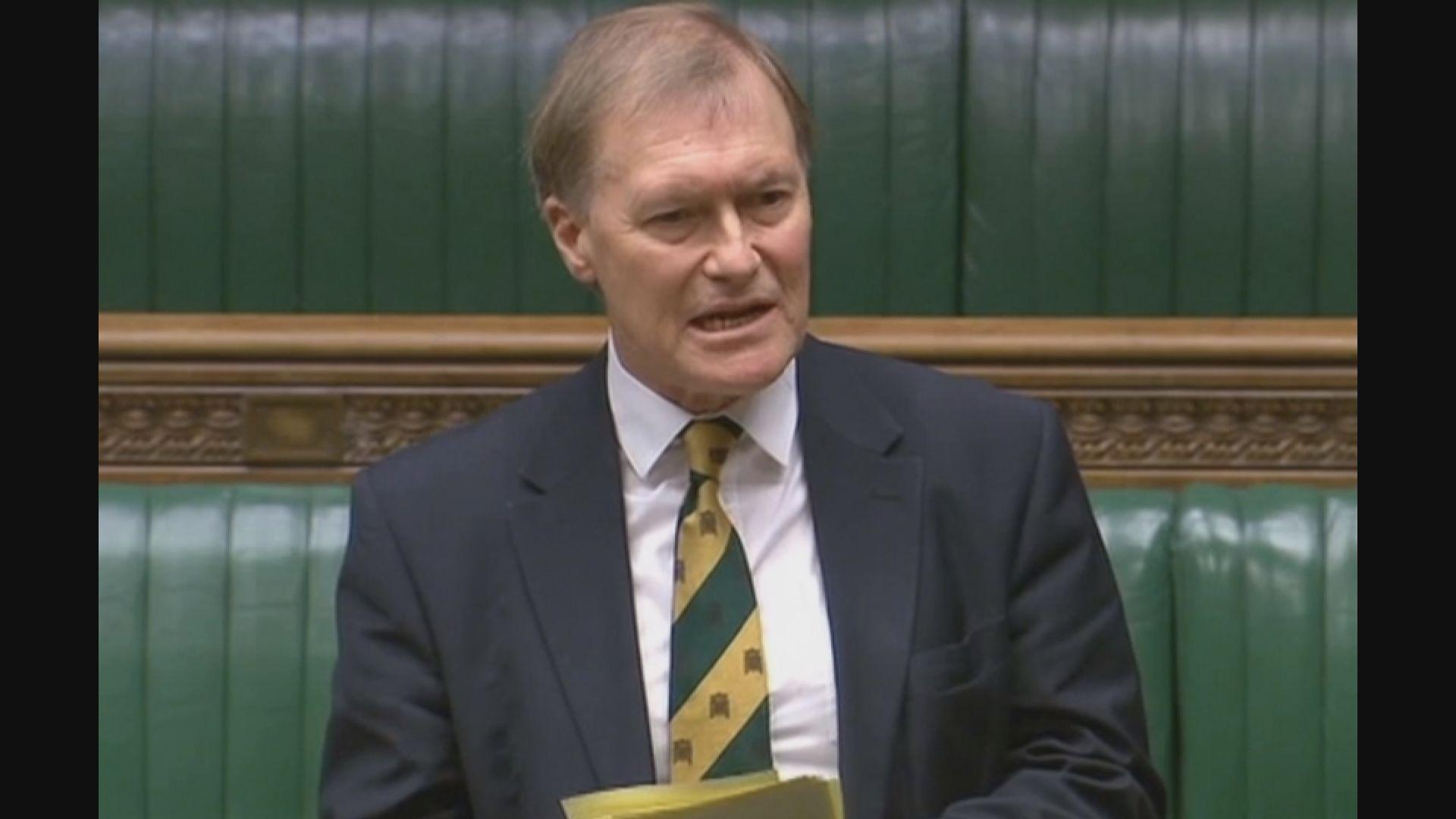 英國會議員遭人連刺多刀身亡