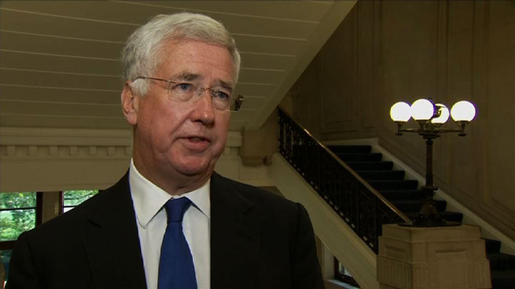 英國防大臣房應麟涉性騷擾辭職