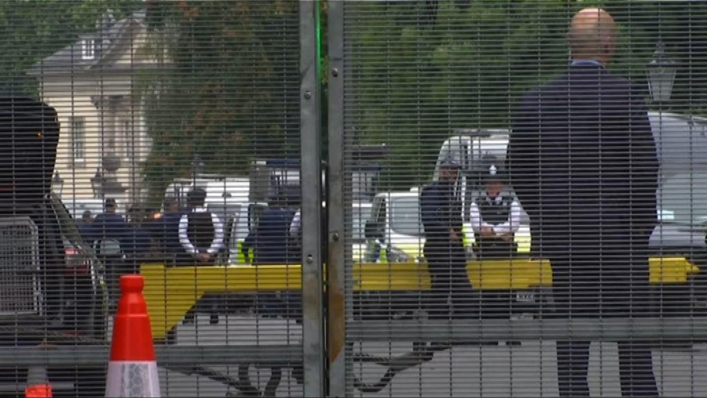 特朗普訪英 英警取消休假加強保安