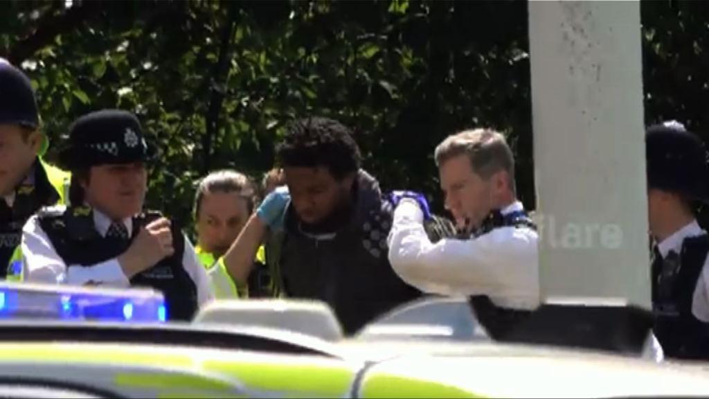 英國警方拘捕一名持刀男子 料不涉恐襲