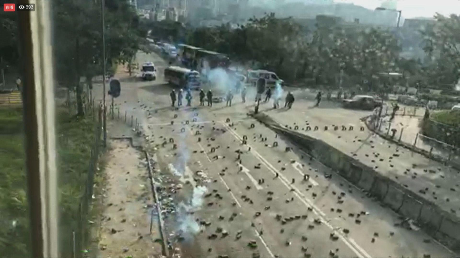 網民再發起三罷 警員在多間大學附近戒備