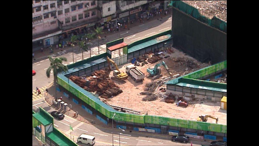 韋志成就大幅修改觀塘重建項目致歉