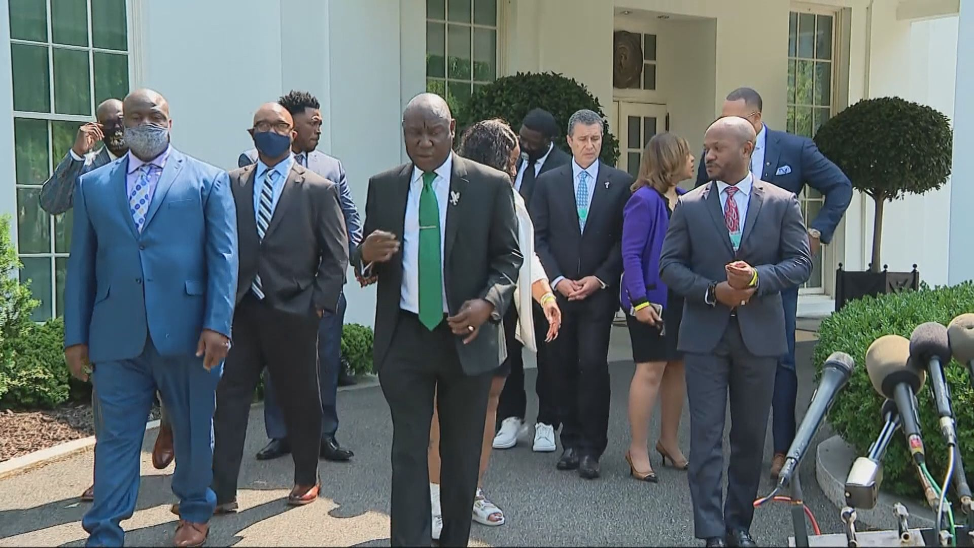 遭跪頸黑人去世一周年 家人與拜登會晤促國會盡快通過警隊改革法案