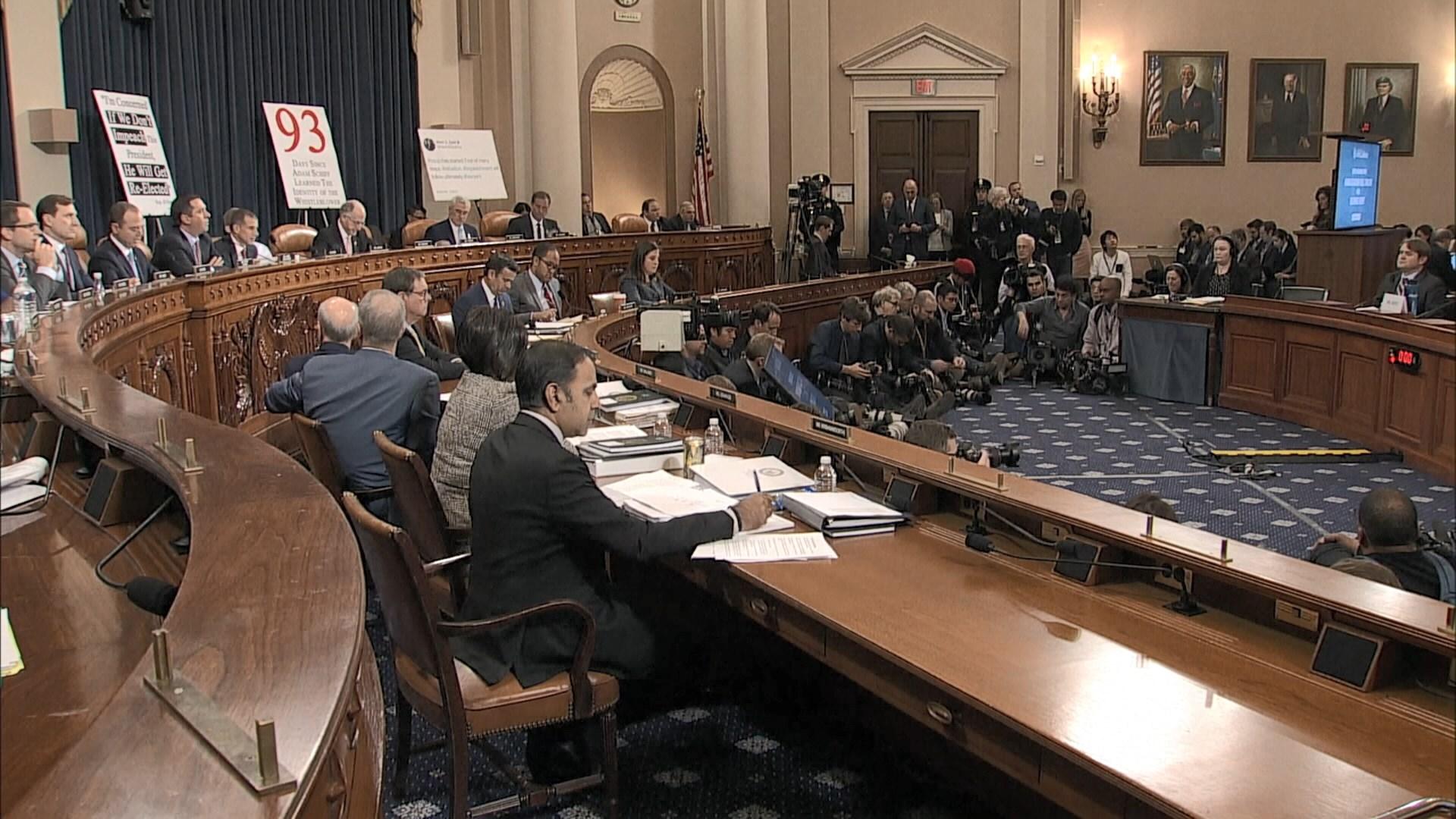 美國彈劾總統調查首場公開聽證會