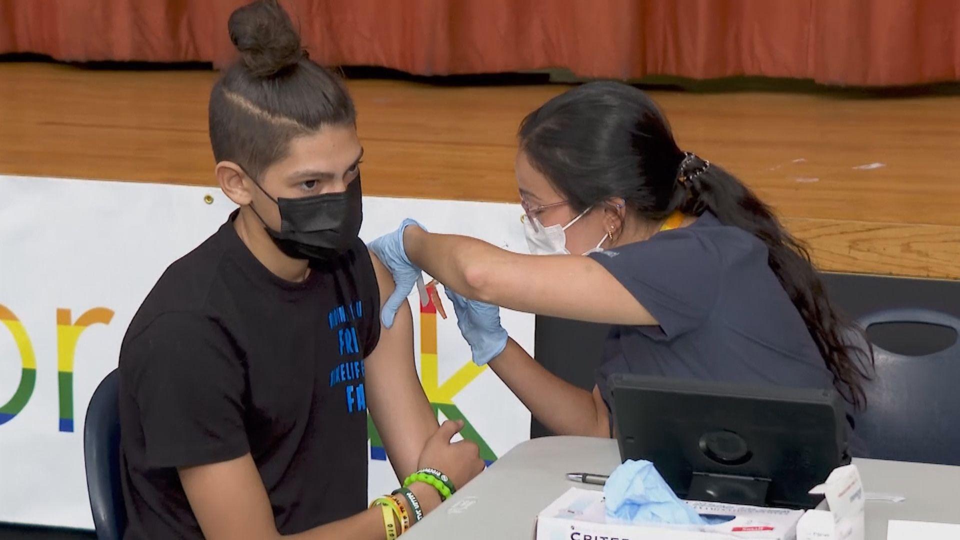 拜登正考慮強制所有聯邦僱員接種新冠疫苗