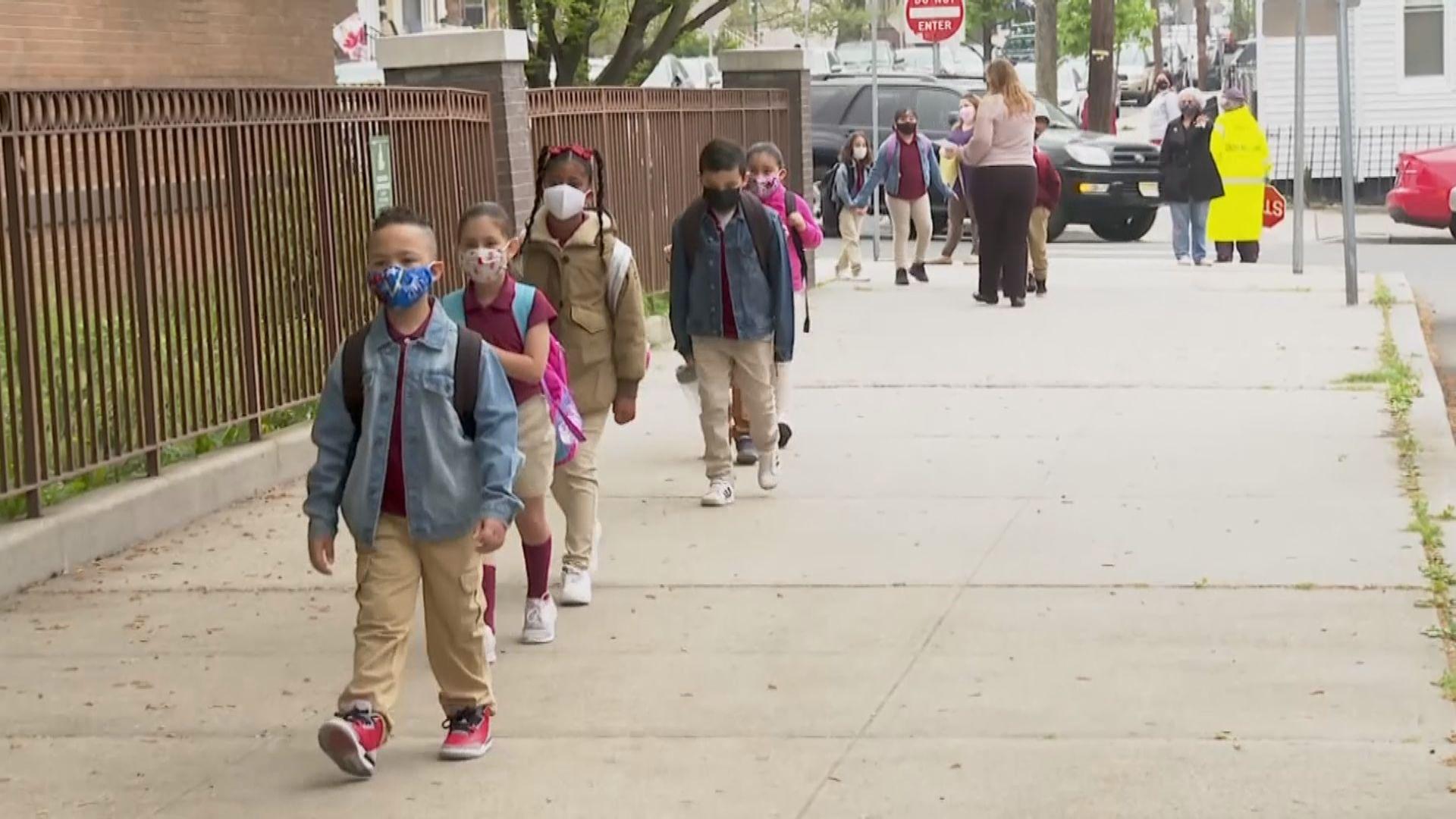 得州禁學校強制學生戴口罩引訴訟 拜登指要求學生戴口罩無關政治