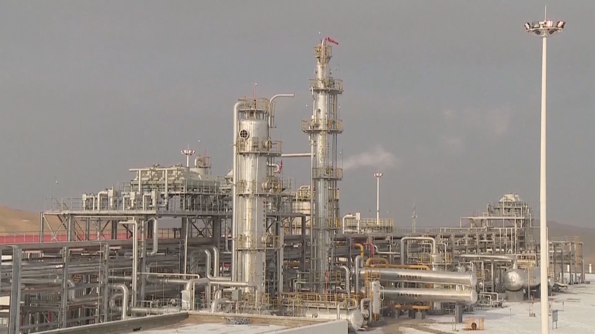 油價2連跌 布蘭特期油收市跌穿30美元