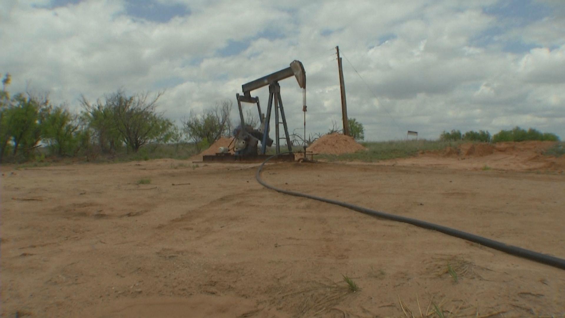 油價跌逾2% 因美原油庫存大增及伊朗核談判將重啟
