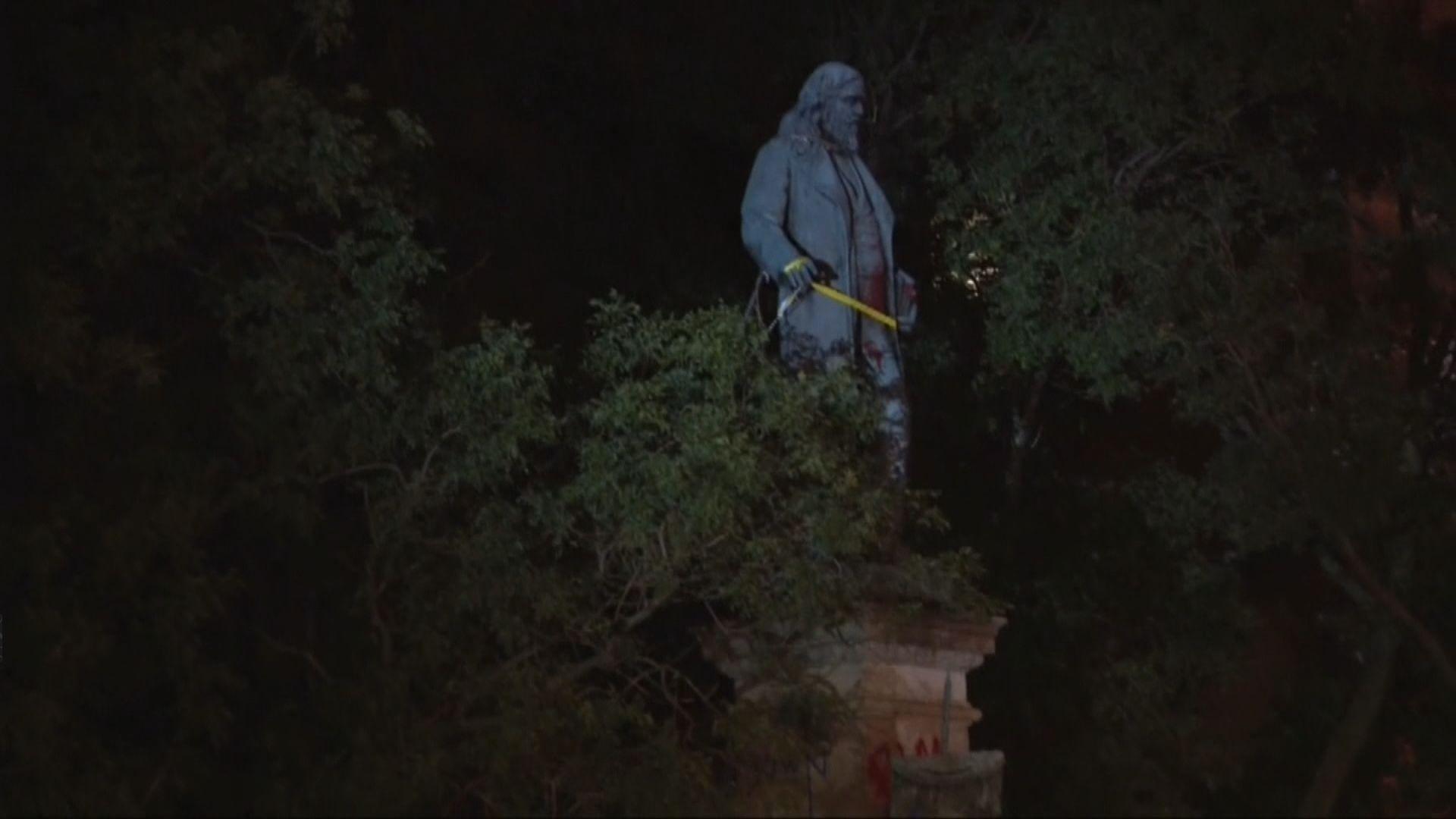 美國反種族歧視示威者拉倒聯盟國將軍銅像