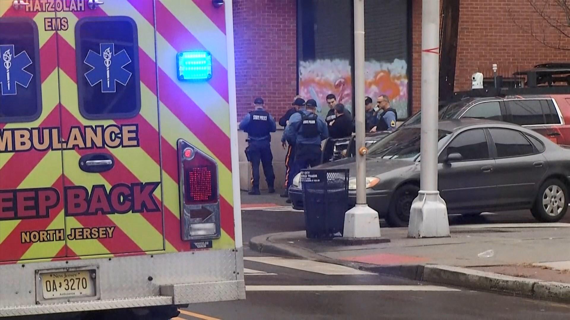美國澤西市街頭槍戰最少六死 包括兩疑犯