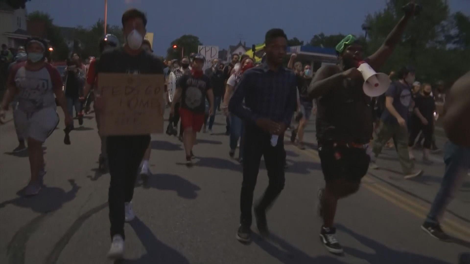 美基諾沙市示威持續 特朗普指會派聯邦執法人員到當地協助