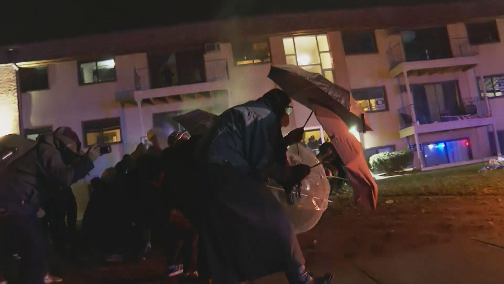 美國再有示威抗議女警槍殺黑人 消息指涉事警將被起訴