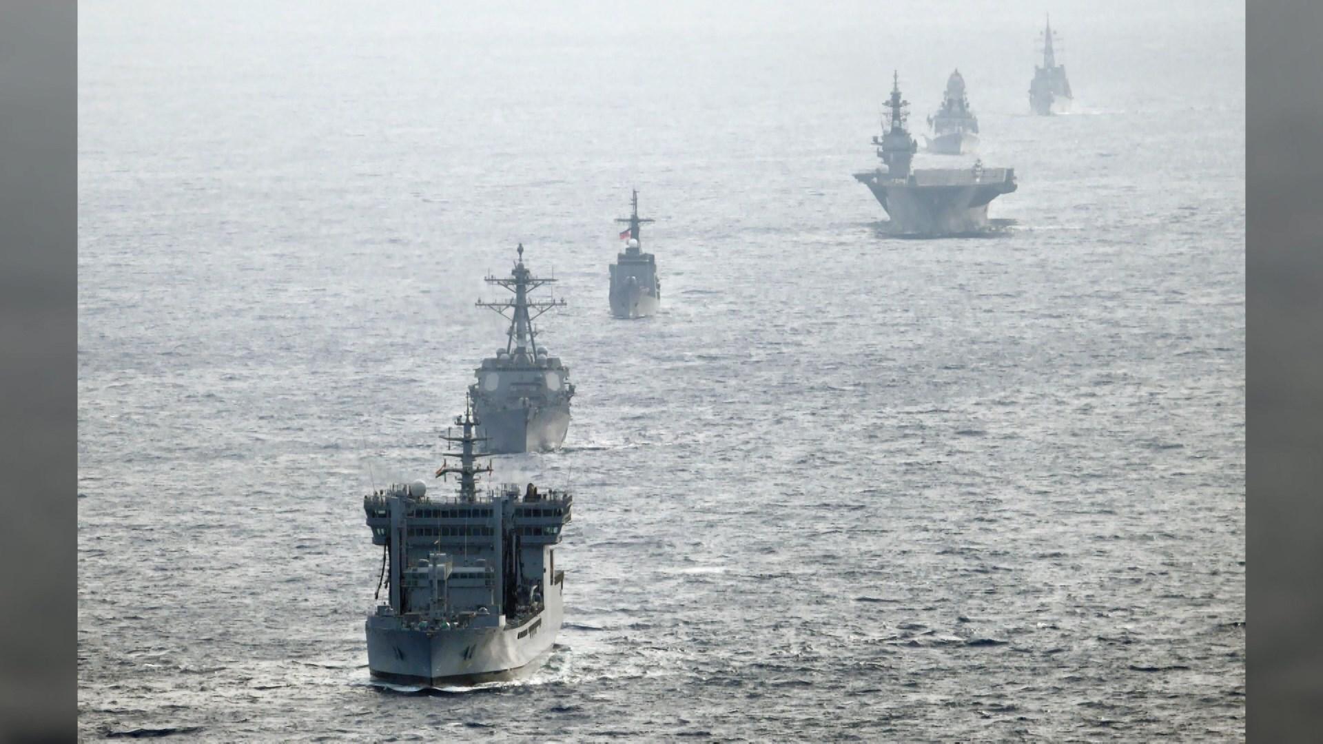 美日菲印四國軍艦在南海聯合訓練