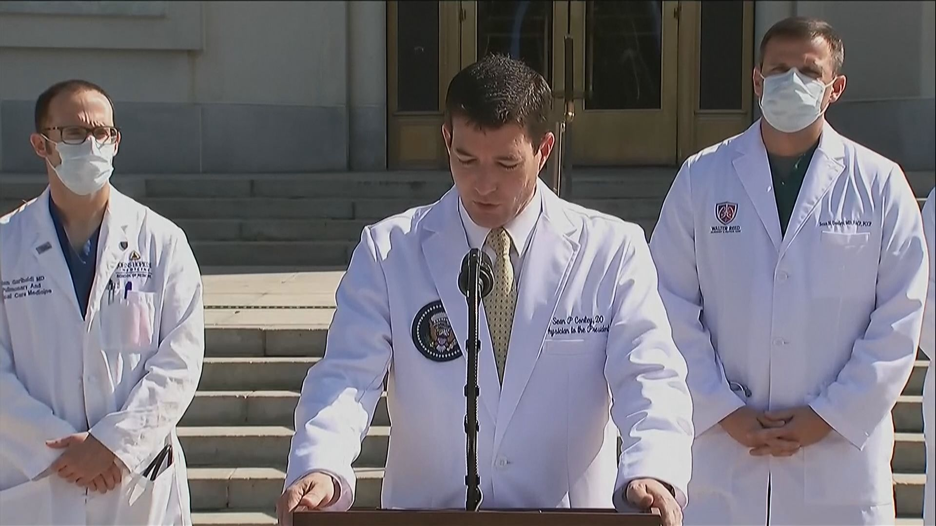 醫生團隊:特朗普病情持續改善 料最快當地時間周一出院
