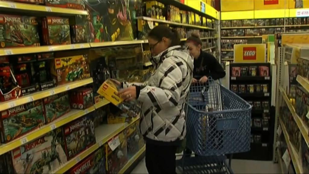 美國購物旺季展開 商戶提早營業