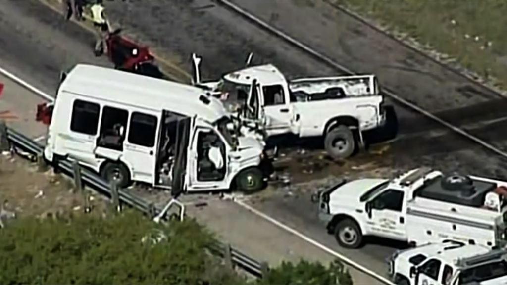 美國得州兩車相撞12死3傷
