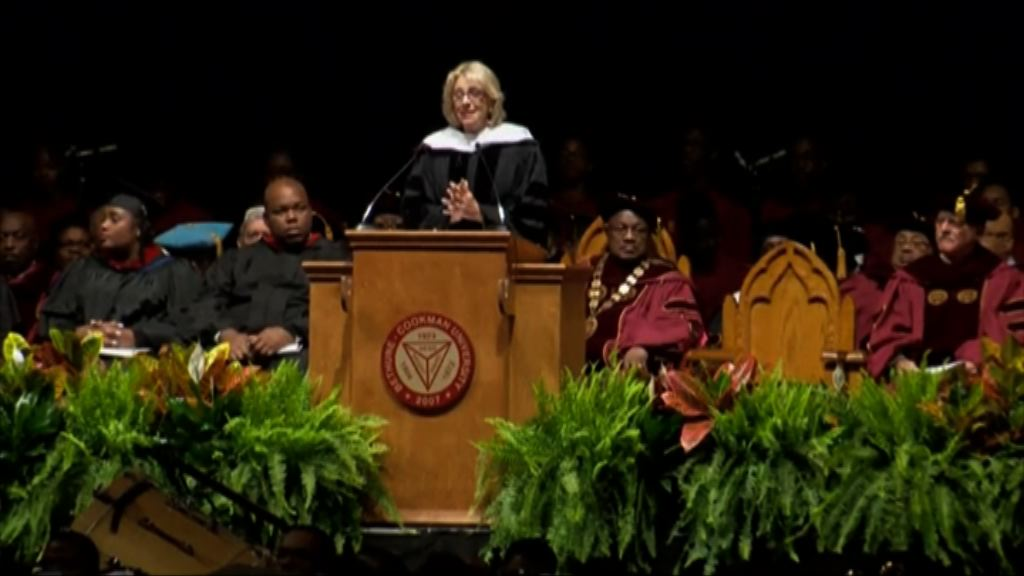 美教育部長德沃斯訪黑人大學遭喝倒采