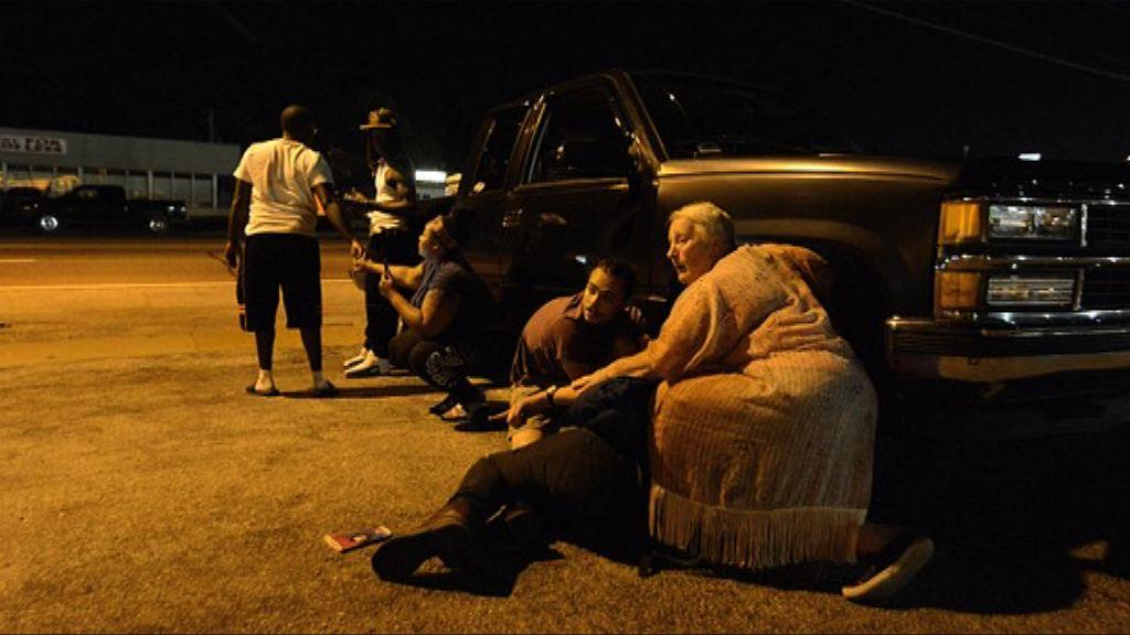 弗格森市悼念被殺黑人集會再有槍擊