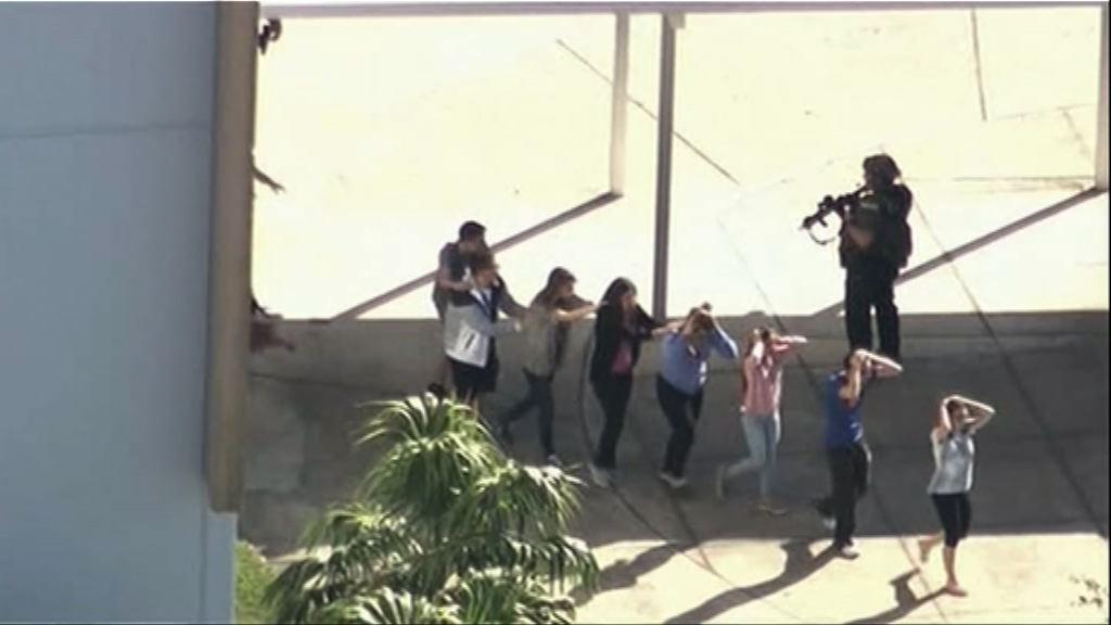 佛羅里達新法案加強管制槍械