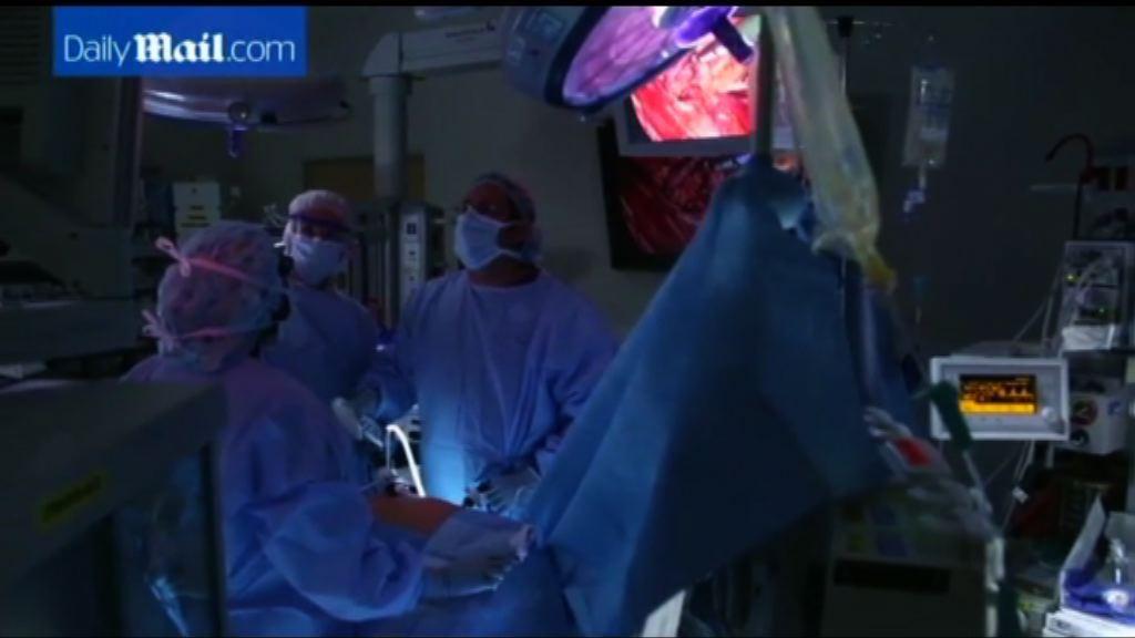 美首次進行HIV感染者器官移植