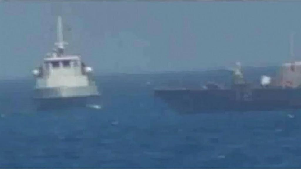 美軍巡邏艇向伊朗船隻開火警告