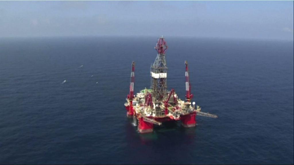 報告稱油組供應量本月上升 油價跌逾2%