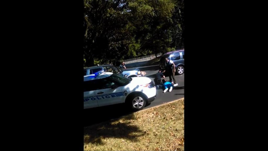 黑人遭警員擊斃案相關手機片段曝光