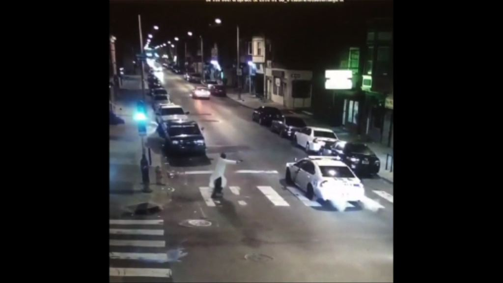 費城男子向警員連開多槍後被捕