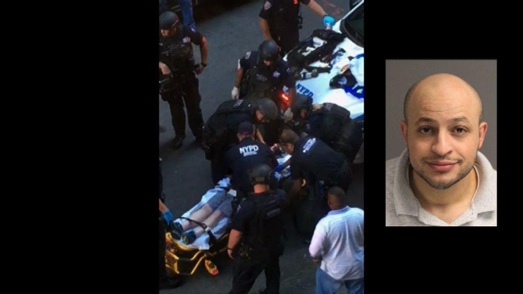 紐約男子持刀傷警員遭開槍制服
