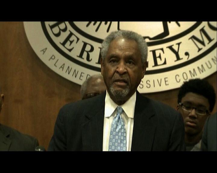 伯克利市長呼籲市民冷靜