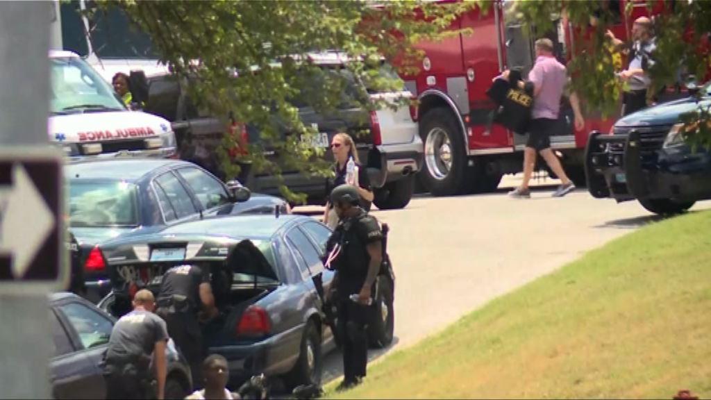 美密蘇里州槍手與警對峙被擊斃