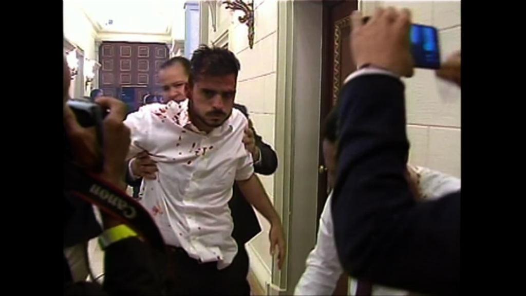 馬杜羅支持者闖國會襲擊反對派議員