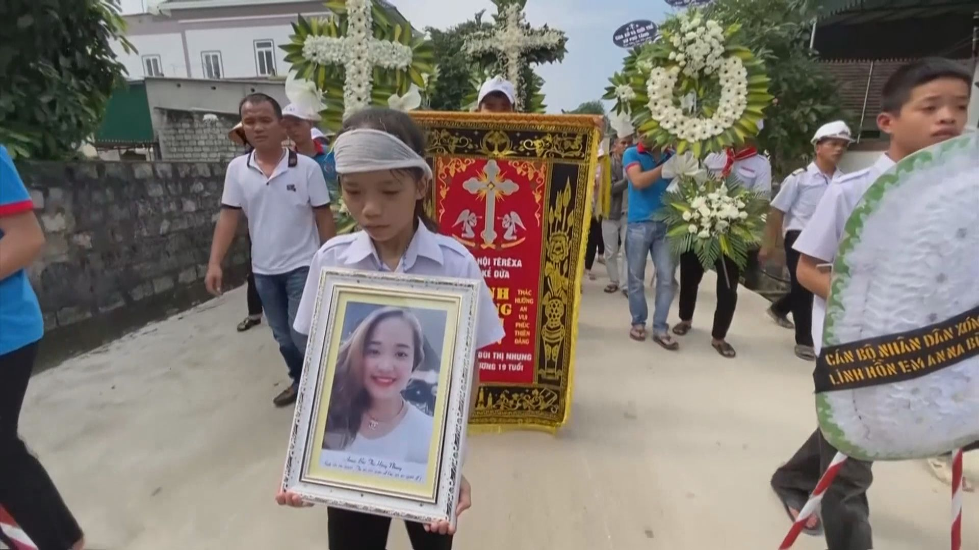 英國貨櫃車案39名越南死者全部還鄉