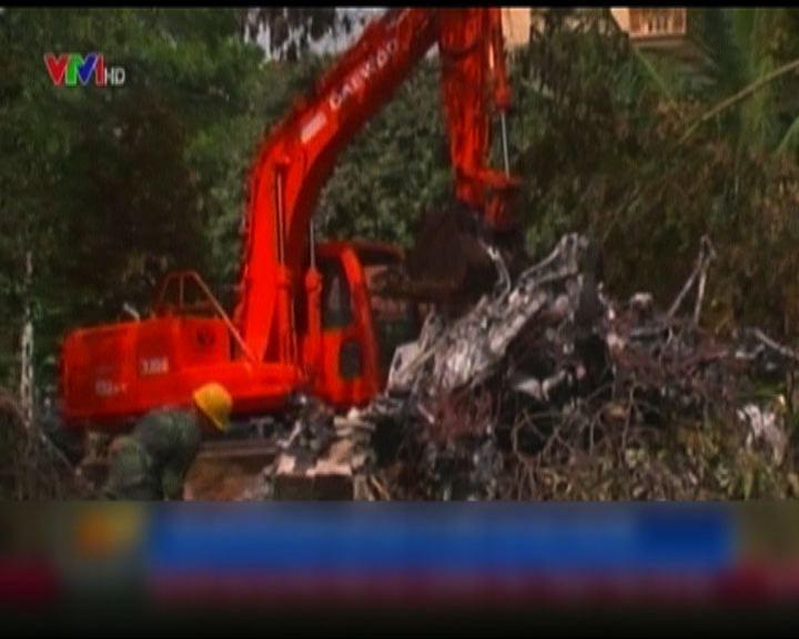 越南軍用直升機跳傘訓練間墜毀