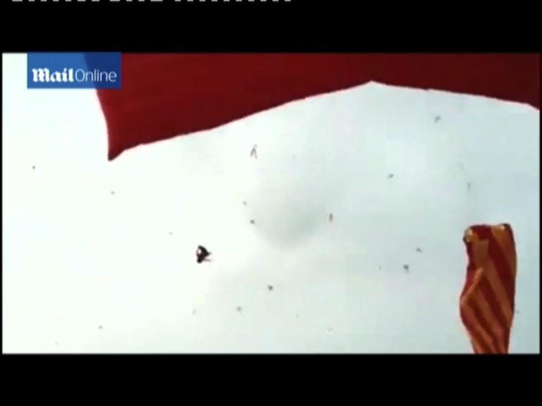 越男童腿纏風箏扯上半空墮地亡