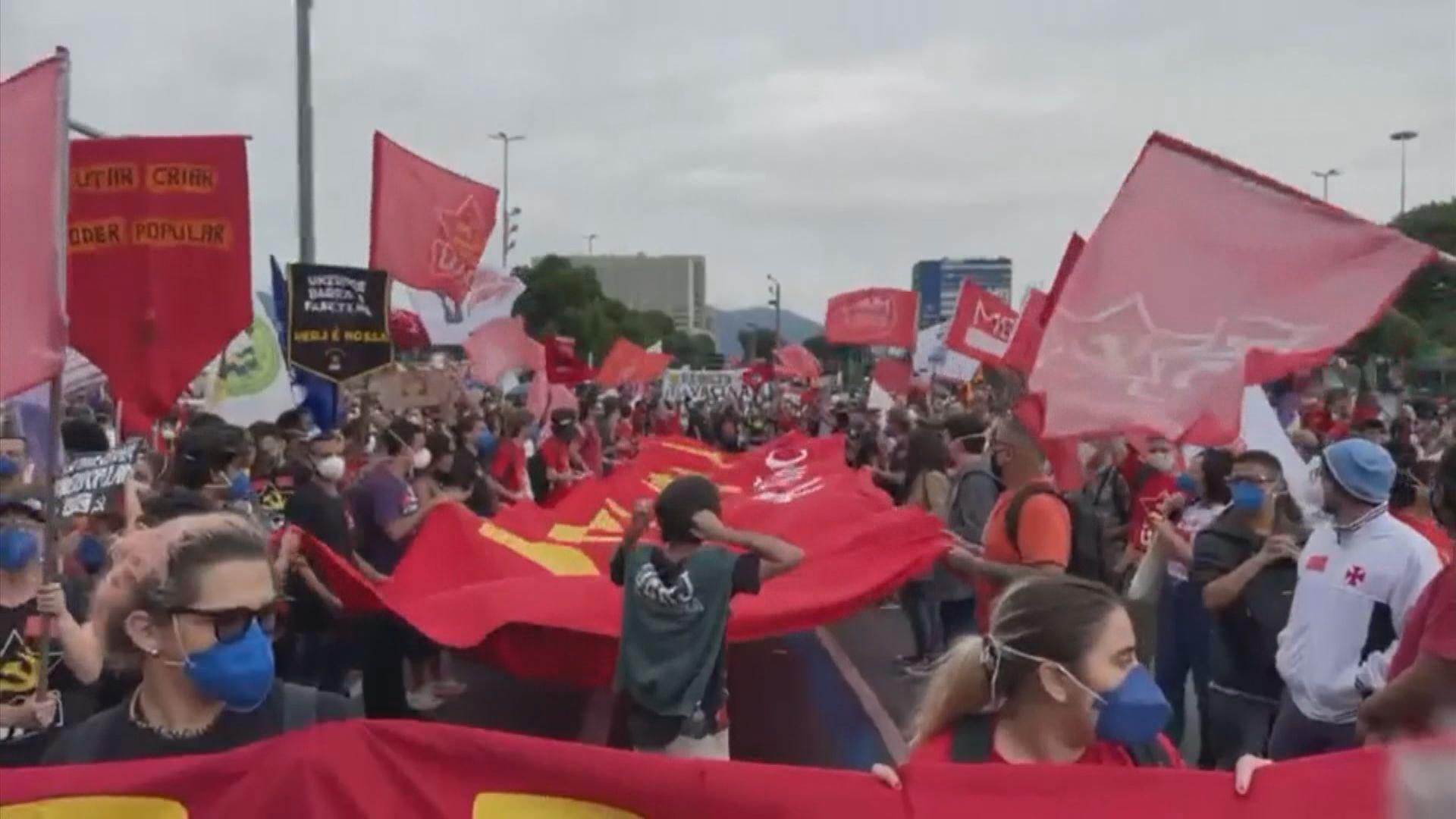 巴西多個城市有示威抗議政府抗疫不力