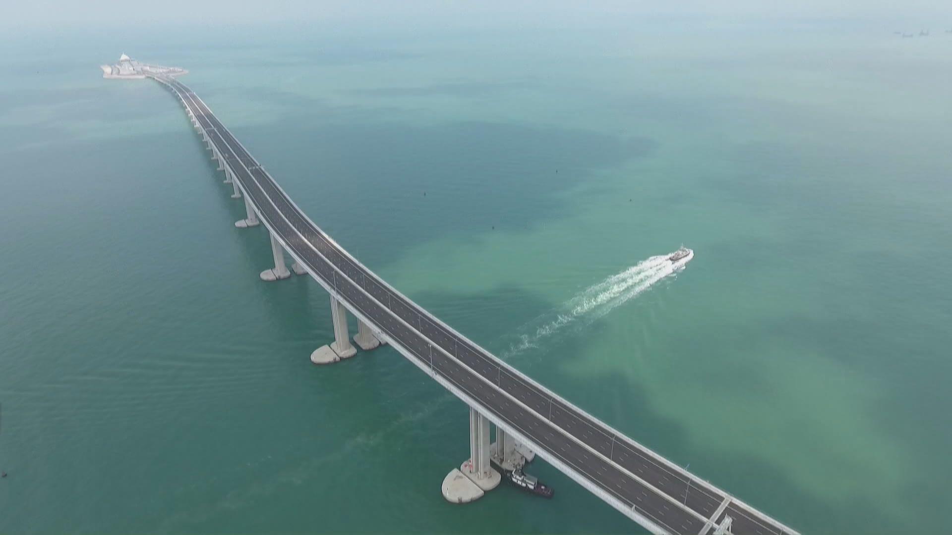 港珠澳大橋午夜起免收通行費至防疫工作結束